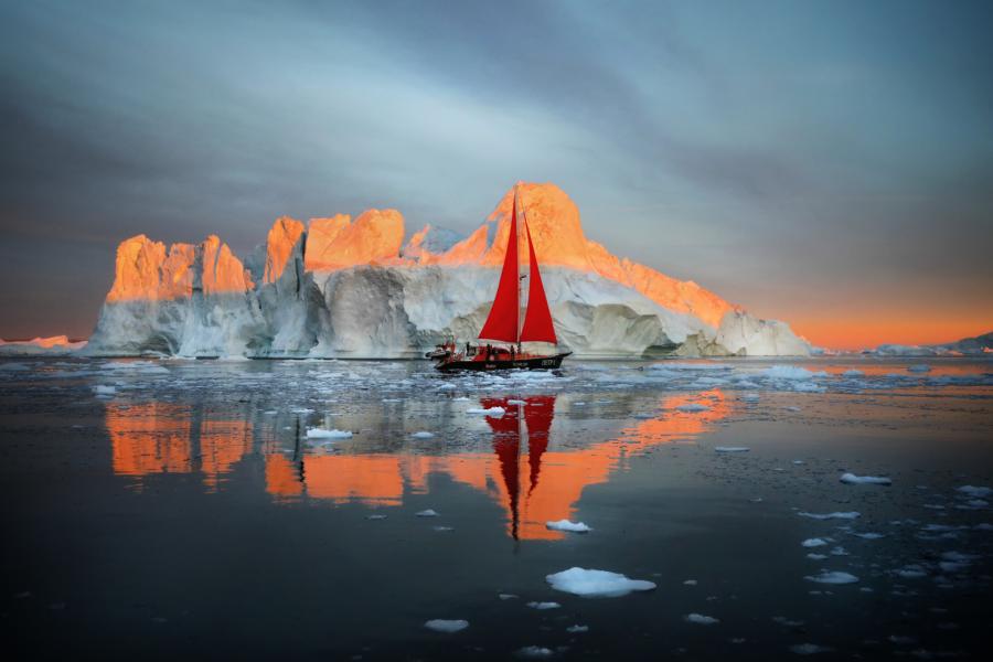 Iceberg Photograph