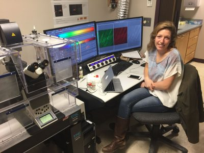 Rebecca Dobbins '16 studies fin regeneration in zebra fish using the Leica scanning confocal microscope for her senior thesis research.