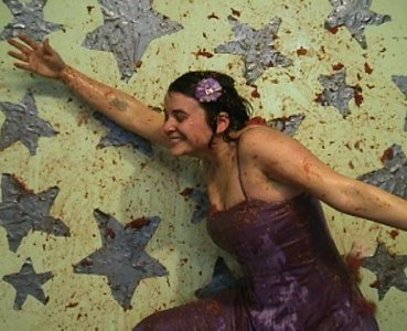 Kate Gilmore, With Open Arms, 2005, video