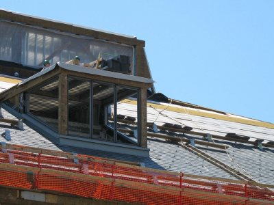 The Commons roof with a skylight and the ventilation monitor. (Doug Hubley/Bates College)