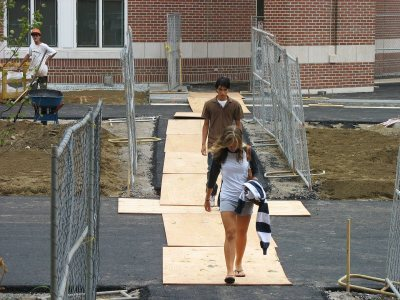 Crossing Alumni Walk. (Doug Hubley/Bates College)