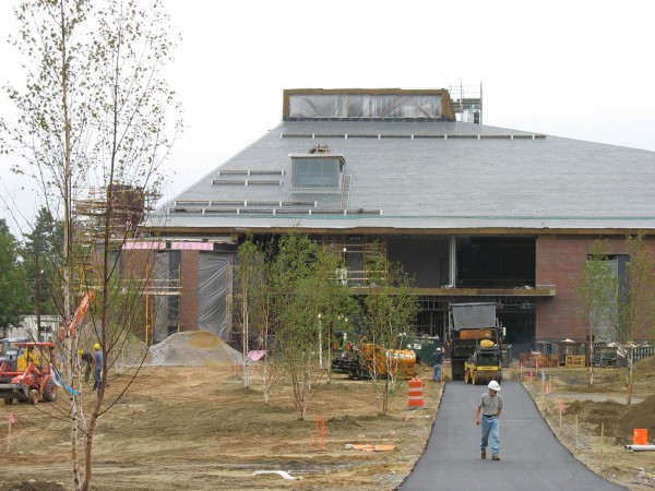 Alumni Walk progresses east toward the new Commons on Aug. 31.