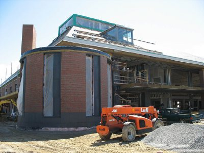 New dorm 280 College Street and New Commons construction