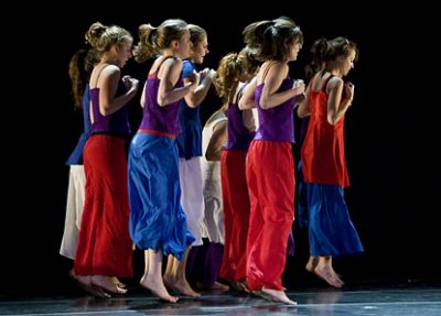 """Dances created by students and by visiting choregrapher Kellie Lynch are on the program for a Bates College Modern Dance Company concert at 7:30 p.m. Saturday, Oct. 4, in Schaeffer Theatre, 305 College St.  Taking place during the college's annual Parents & Family Weekend, the event is open to the public at no cost.  For more information, please call 207-786-6161 or visit the online box office.  In addition to the work by Lynch, one of four choreographers coming in to work with the Bates dance program this fall, the concert features a dance in the classical Indian form called """"Bharatanatyam,"""" a new duet created by Bates students and the reprise of a student work created last spring and accompanied by accordion.  """"The most important aspect of the Parents & Family Weekend show is its diversity,"""" says assistant professor Carol Dilley, director of the dance program. In addition to department-sponsored work, the concert includes dances made """"by students who are not necessarily regular participants in the modern dance program. It is the most open showcase of our whole season.""""  Lynch is working with 11 students in a Bates repertory performance class on a piece titled """"What If I Don't Want To,"""" featuring a lighting design by Justin Moriarty. The piece will be shown this weekend as a work in progress and performed with full costumes and lighting design in November.  Lynch is one of three choreographers with whom the class is developing material for the its fall concert, scheduled for Nov. 15-17; the others are Janis Brenner, of New York City; and Tania Isaac, of Philadelphia. In addition, Portland choreographer Tina Rae Kelly is working with students on a fourth piece for the November program on an extracurricular basis.  Also on the program: Abritee Dhal, a junior from Westford, Mass., performs a piece in the Bharatanatyam genre that she learned during the summer with her teacher, Ranjani Saigal.  Marlee Weinberg, a junior from Tampa, Fla., and Jake Lewis, a senior from Ka"""