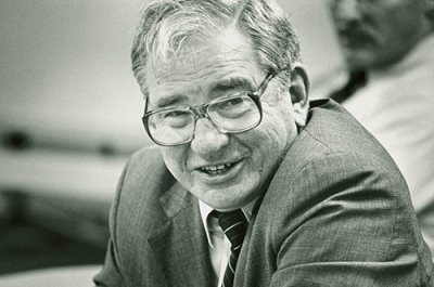 Bates College President Thomas Hedley Reynolds, fall 1983.<br /> Reynolds was president from 1967 to 1989.<br /> PHOTOGRAPH by David Wilkinson.