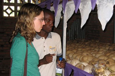 fall09-magazine-rwanda-alexis-sara-ntarama