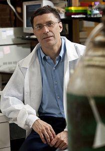 Chemist Steven Kates '83