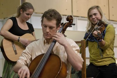 Arts Crawl -- Chase the Fiddlers