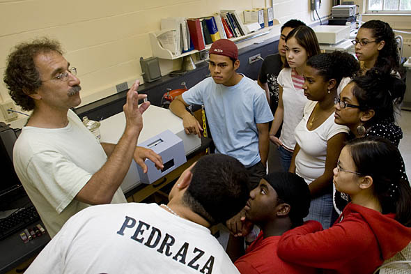 The inaugural Summer Scholars group, aka as Hughes Summer Scholars, work with Charles A. Dana Professor of Chemistry Tom Wenzel in 2007.