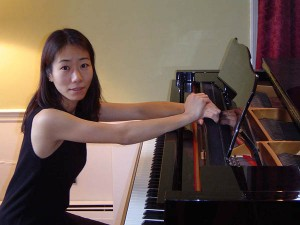 Pianist Chiharu Naruse and soprano Jennifer Woodruff perform at Bates on May 20.