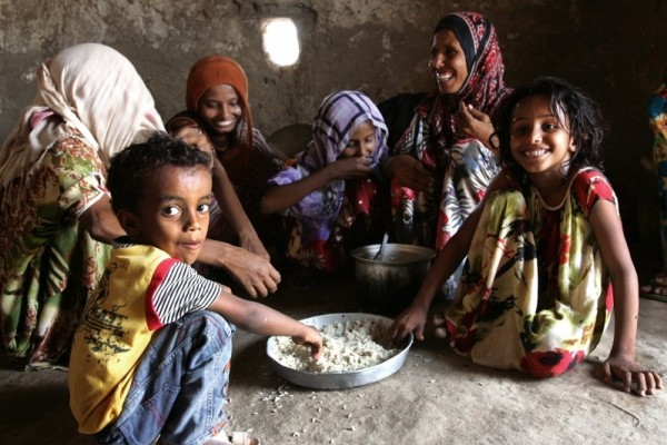 This family in Yemen's Mawza District received vouchers to buy food as part of Mercy Corps' emergency response to Yemen's humanitarian crisis. Photograph by Cassandra Nelson / Mercy Corps.