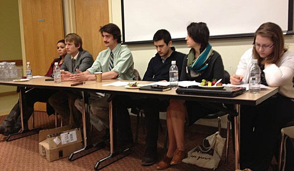 Students discuss the challenges and tactics of writing fellowship proposals at the Mount David Summit on March 29, 2013.