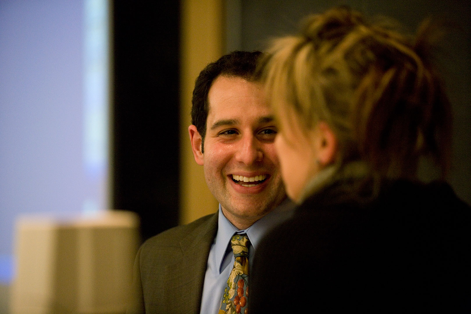Jonathan Adler '00, seen here talking with Kati Vecsey of the theater department during his lecture at Bates in 2008.