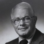 Trustee Chair Emeritus E. Robert Kinney '39, corporate and civic leader with 'good, gutsy Maine business sense,' dies at 96