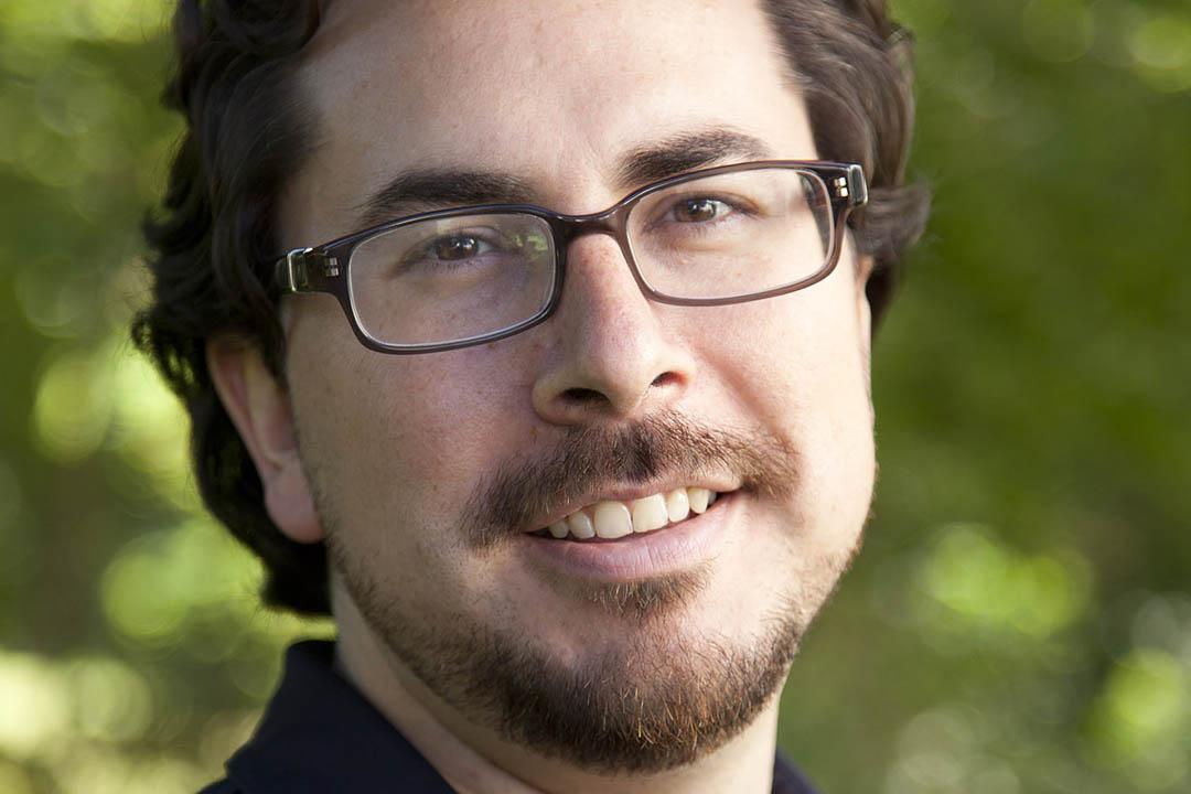 Bates neuroscientist Jason Castro. (Phyllis Graber Jensen/Bates College)