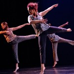 'Intricate Glances' in a senior thesis dance piece