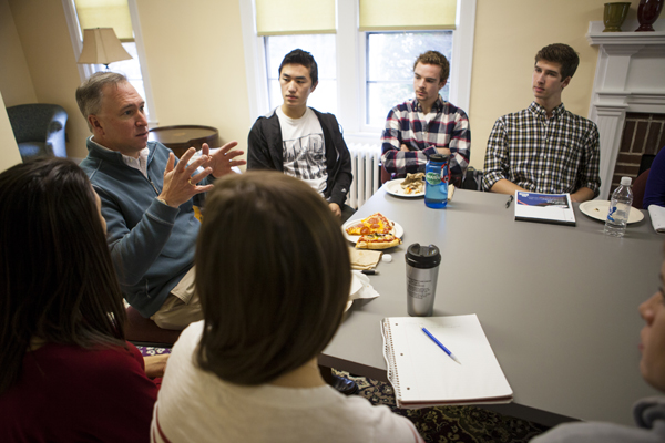 The College Key's Distinguished Alumnus in Residence, Winfield Brown '89 meets with students to discuss careers in healthcare during a campus visit on Nov. 12. Photo by Sarah Crosby/Bates College.