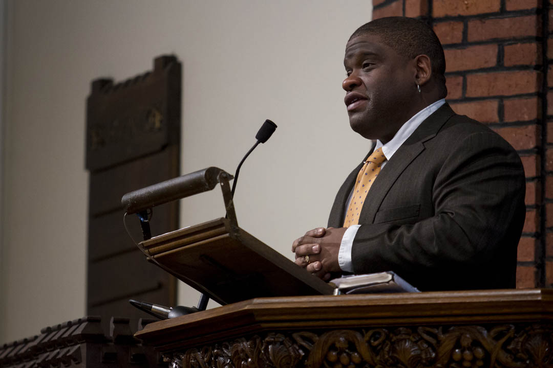 "Gary Younge delivers his address, ""Reclaiming King's Dream: Decoding the Myths and the Meaning of the Civil Rights Era."" (Sarah Crosby/Bates College)"