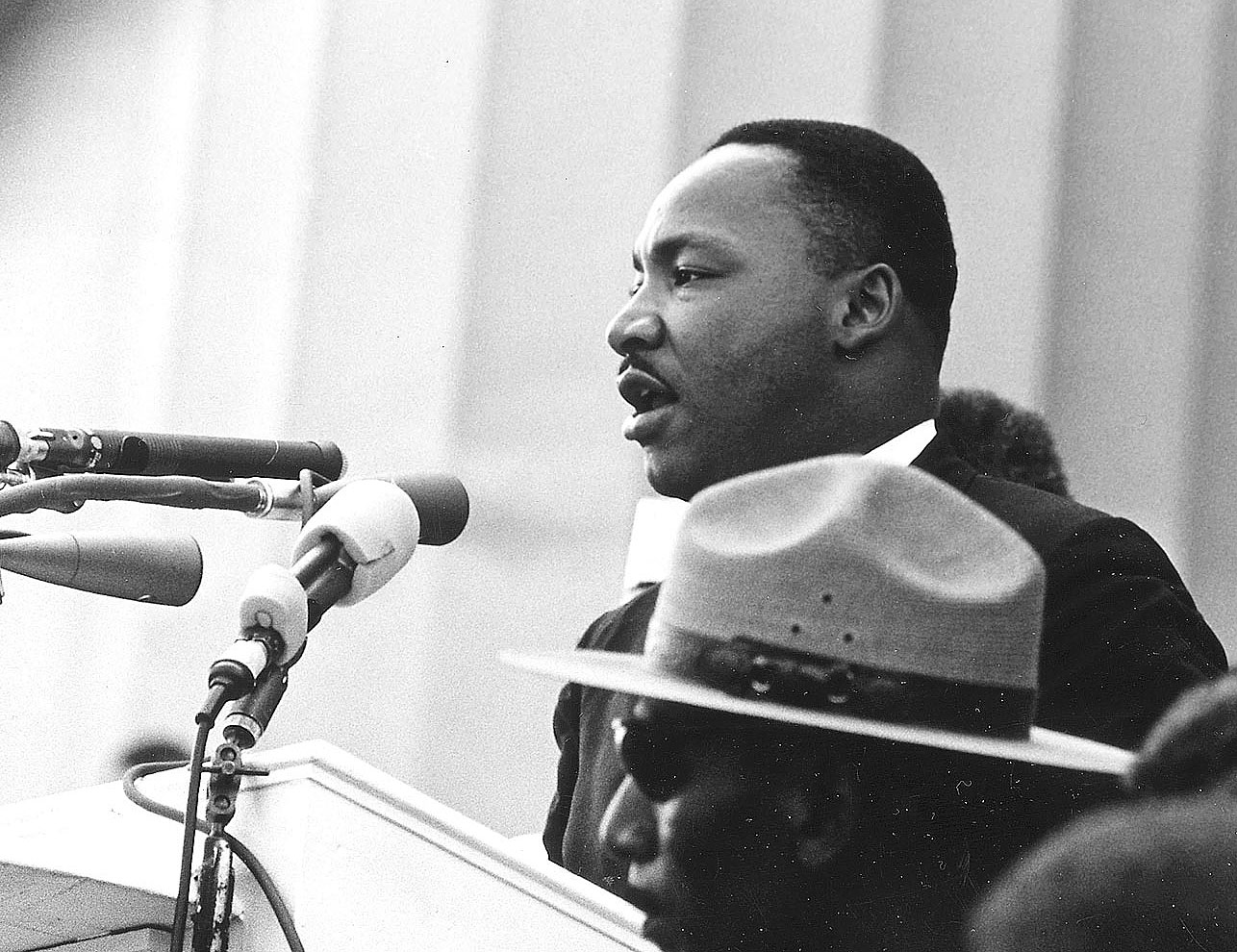 crop-mlk-washington-1963-27-0334a