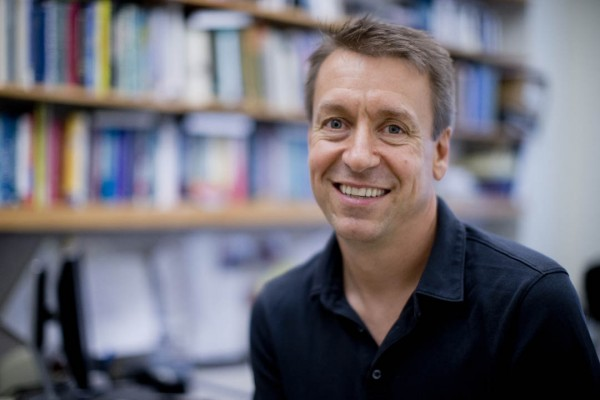 Professor of Psychology Todd Kahan. (Phyllis Graber Jensen/Bates College)