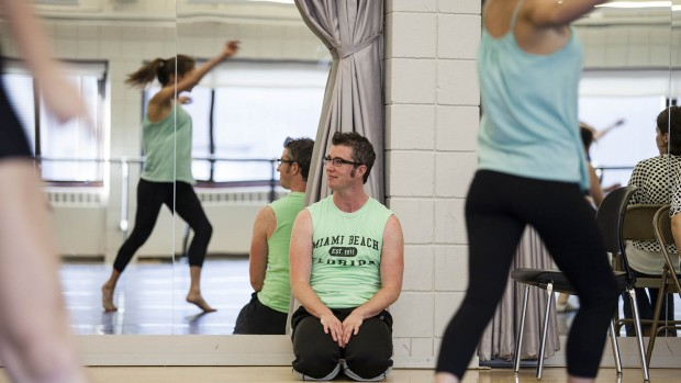 Award-winning San Francisco choreographer Sean Dorsey works with Bates students. (Sarah Crosby/Bates College)