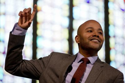 Peniel Joseph, Tufts University historian and author, delivers Bates' 2015 MLK Day keynote address. (Phyllis Graber Jensen/Bates College)