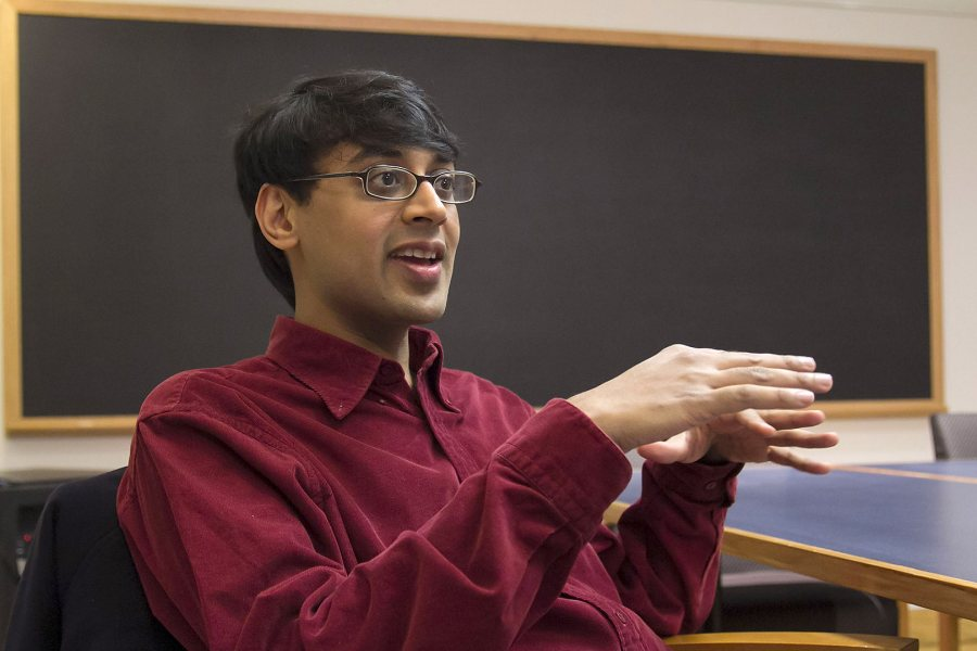 Manjul Bhargava offers the 2015 Commencement address at Bates, on May 31.