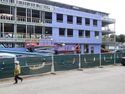 Wall work at 55 Campus Ave. on Aug. 13, 2015. (Doug Hubley/Bates College)