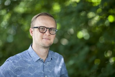 Recently appointed as director of Writing at Bates, Daniel Sanford comes to Maine from New Mexico. (Josh Kuckens/Bates College)