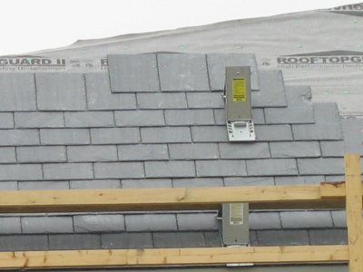 Slate on the new Commons roof. (Doug Hubley/Bates College)