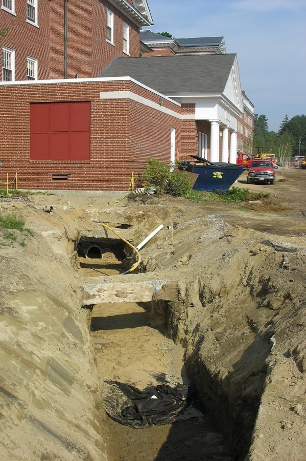 A steam-line trench at Dana Chemistry Hall. (Doug Hubley/Bates College)
