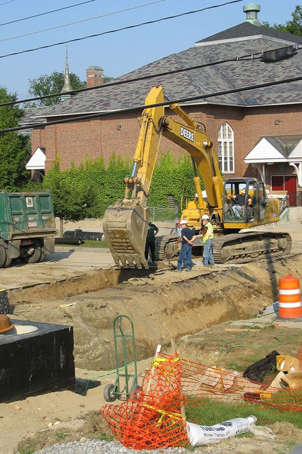 The Central Avenue Dig. (Doug Hubley/Bates College)