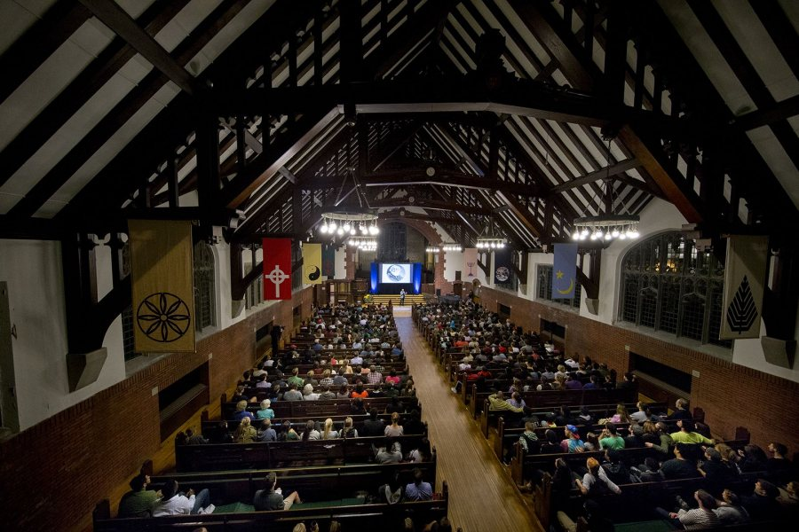 A rapt audience listens to racial justice activist Shaun King in the Gomes Chapel on Oct. 11, 2016. (Phyllis Graber Jensen/Bates College)