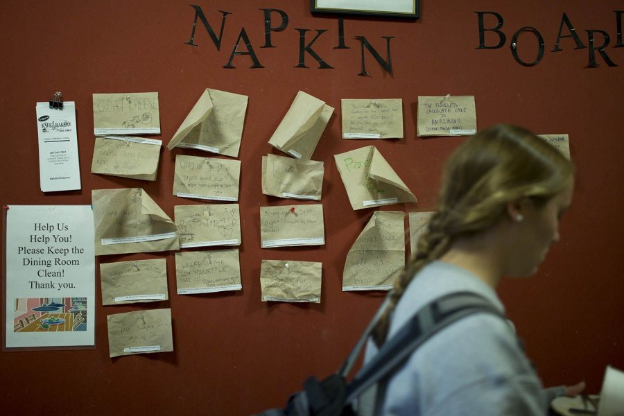 Leaving Commons, students can test their luck and make food requests on a napkin that they tack to a Napkin Board. (Phyllis Graber Jensen/Bates College)