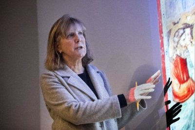 Phillips Professor of Art and Visual Culture at Bates, Rebecca Corrie gives a lecture on Islamic art and architecture on Jan. 30. (Josh Kuckens/Bates College)