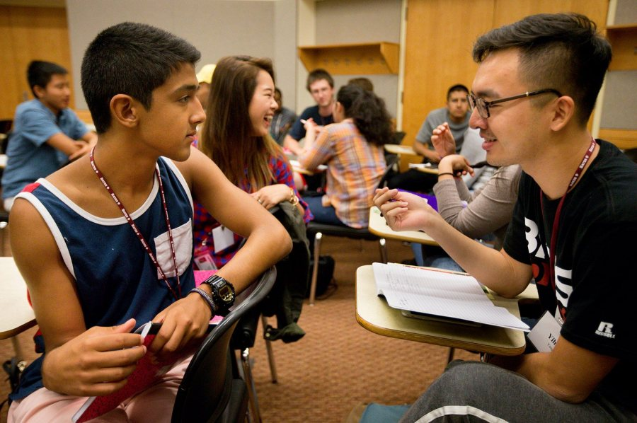 New to Bates, members of the Class of 2020 share a laugh during an academic-planning session in August 2016 as part of Bobcat First!, a pre-orientation program for first-generation-to-college students. (Phyllis Graber Jensen/Bates College)