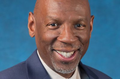 An educator known for his innovative leadership of the Harlem Children's Zone, Geoffrey Canada is the featured speaker at Bates' 151st Commencement.