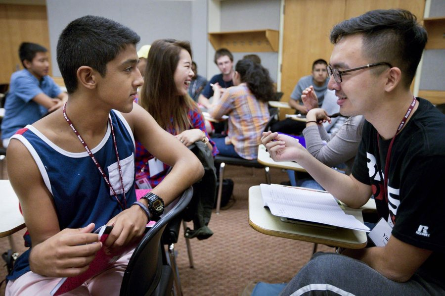 Members of the Class of 2020 get acquainted during an academic-planning session in August 2016 as part of Bobcat First!, the college's program for first-generation-to-college students. The college's record of supporting student success garnered an invitation to the American Talent Initiative. (Phyllis Graber Jensen/Bates College)