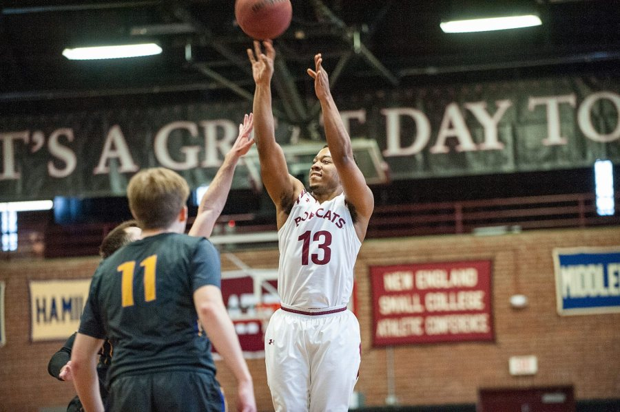 Men's basketball welcomes the University of New England on Nov. 16. Shown: Shawn Strickland '18 in a February win over Williams. (Russ Dillingham for Bates College)