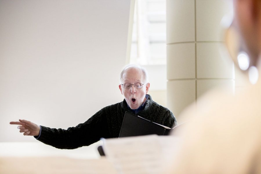Shown here directing the Bates choir at the 2018 Mount David Summit, John Corrie presents individual vocal students in recital on April 6. (Phyllis Graber Jensen/Bates College)