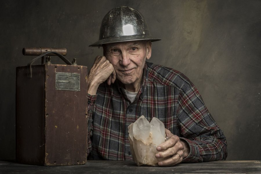 Frank Perham '56 was included in a photo series on elderly people in Maine, the state with the country's highest average age. (Jason Paris Smith)