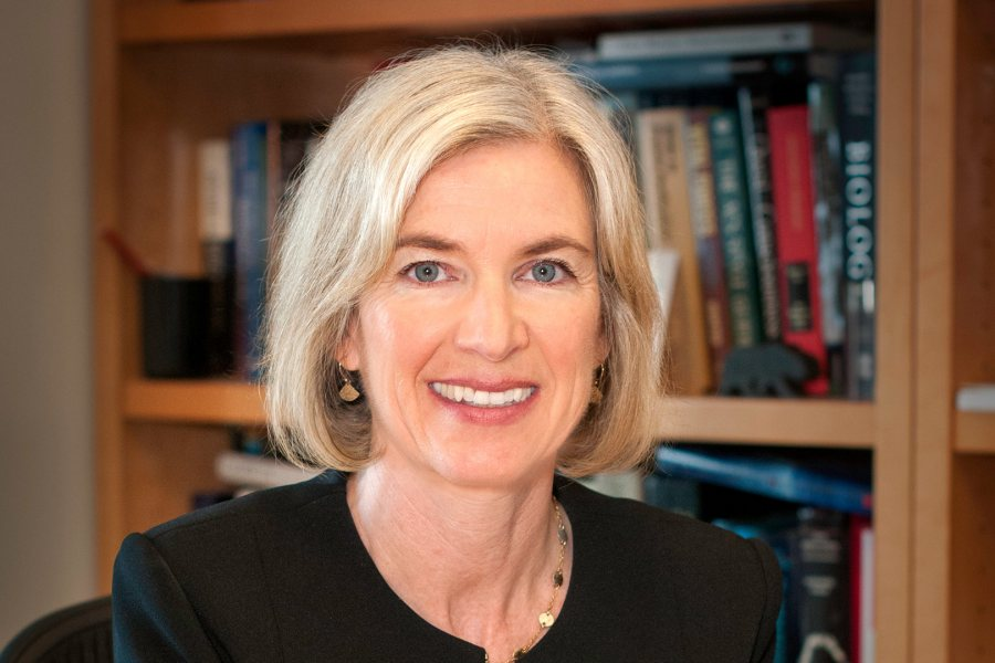 A co-inventor of the groundbreaking CRISPR-Cas9 technology, Jennifer Doudna will receive an honorary degree and give the keynote address at Bates' 2019 Commencement.