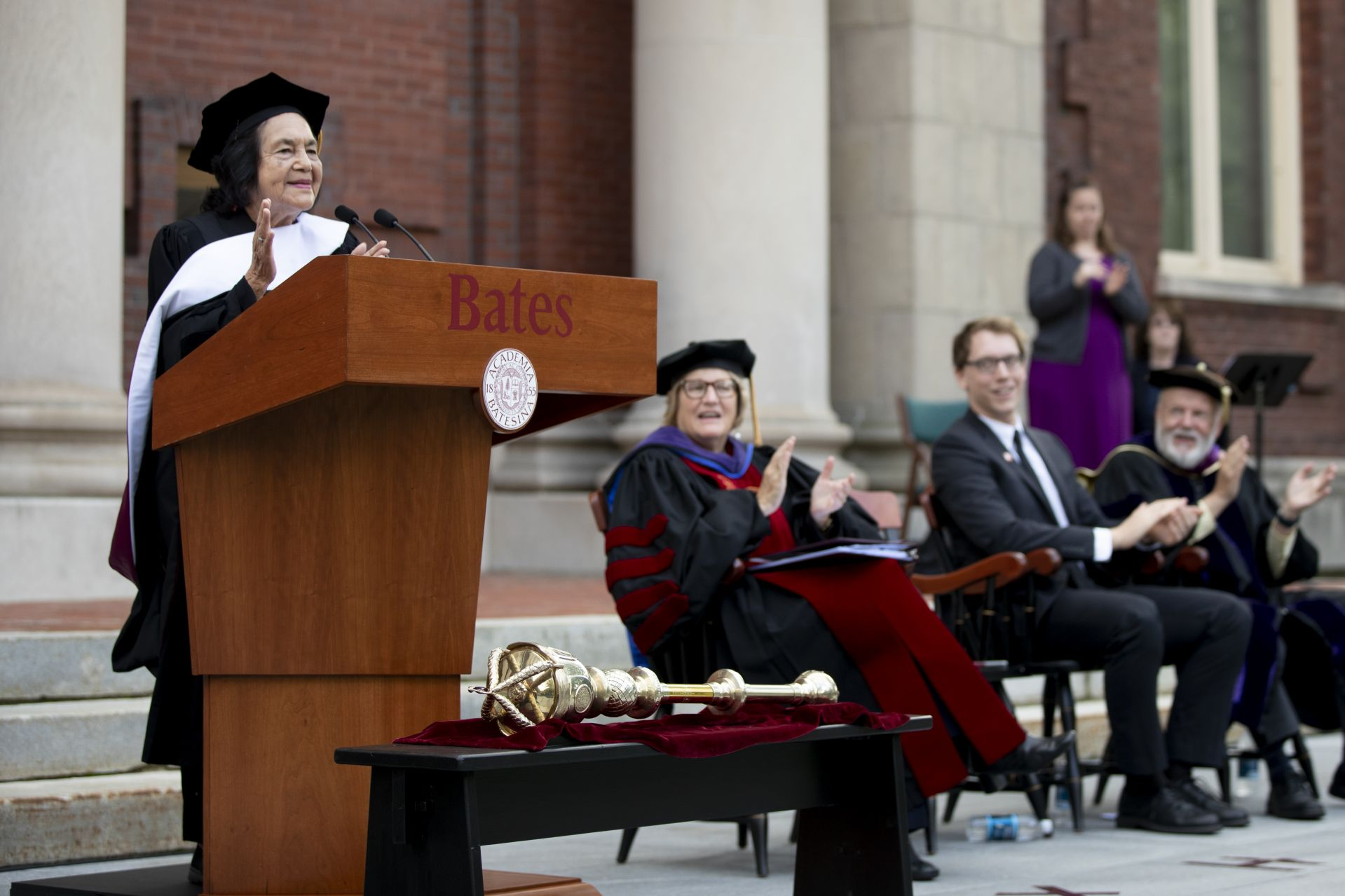 Dolores Huerta's 2019 Opening Convocation address wins an enthusiastic reception. (Phyllis Graber Jensen/Bates College)