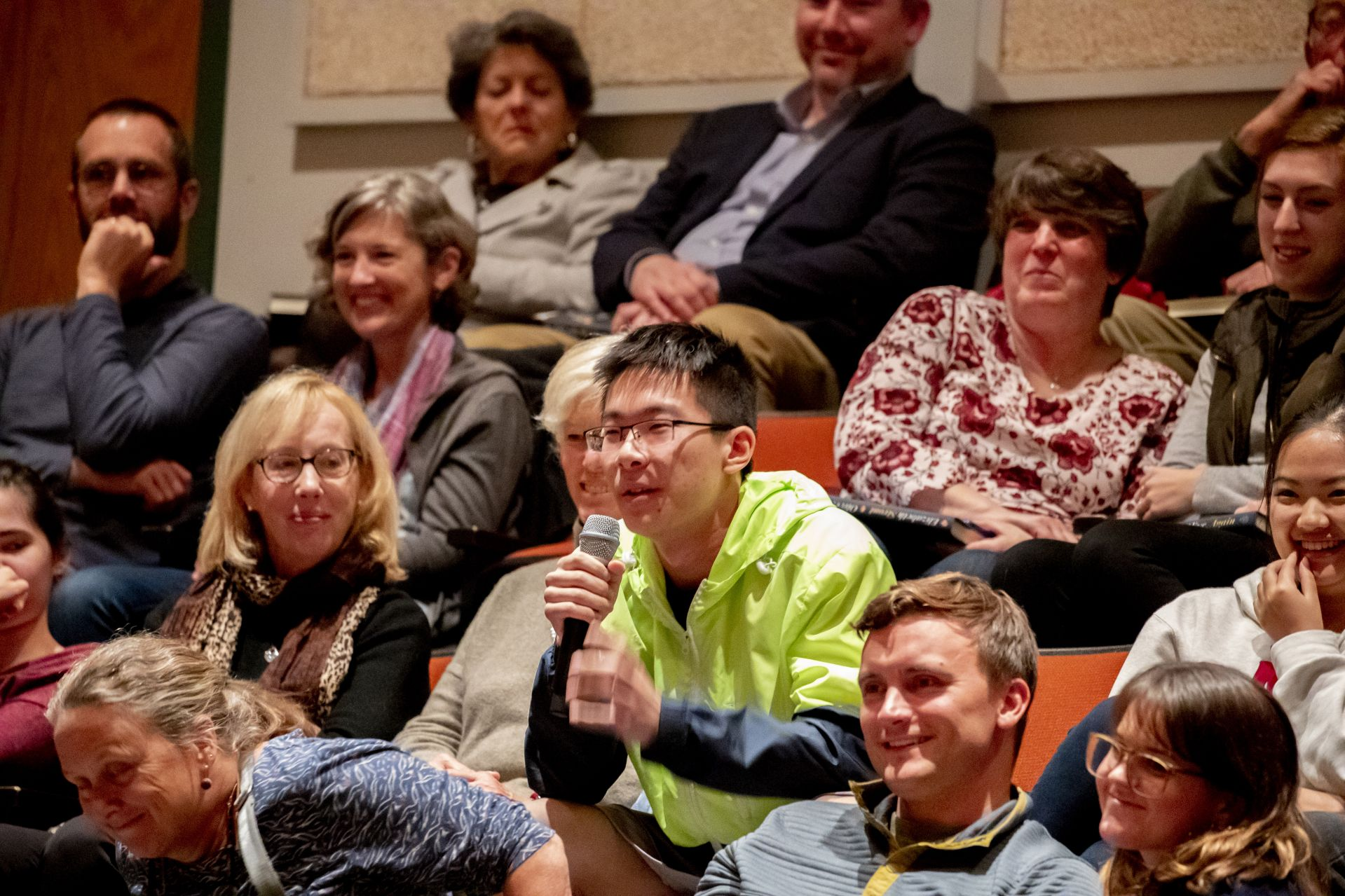 """During the Q&A portion of the evening, Mark Su '22 of Beijing asks Strout, """""""