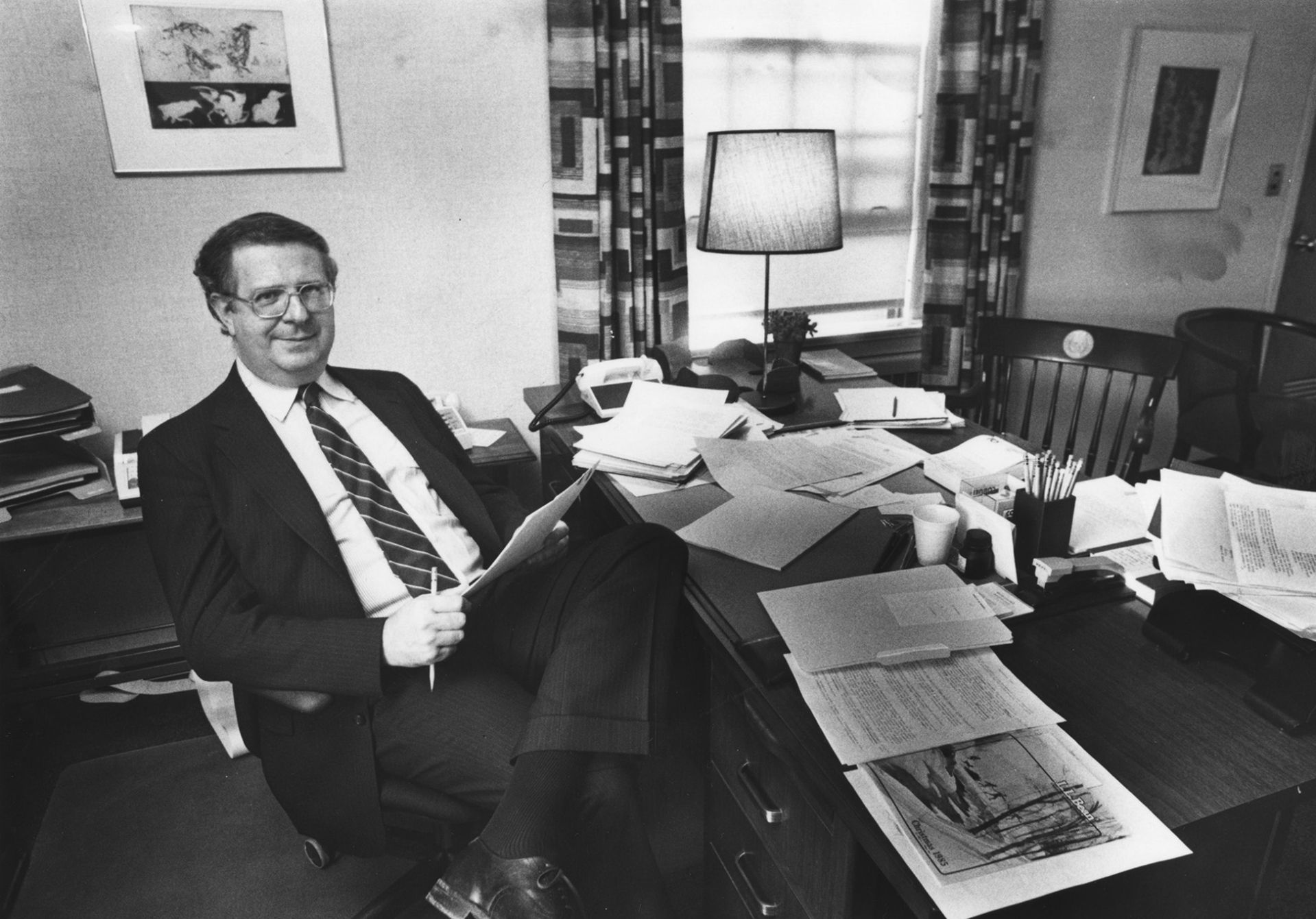 Carl Straub, seen in his office in 1985 during his time as dean of the faculty. (Muskie Archives and Special Collections Library)