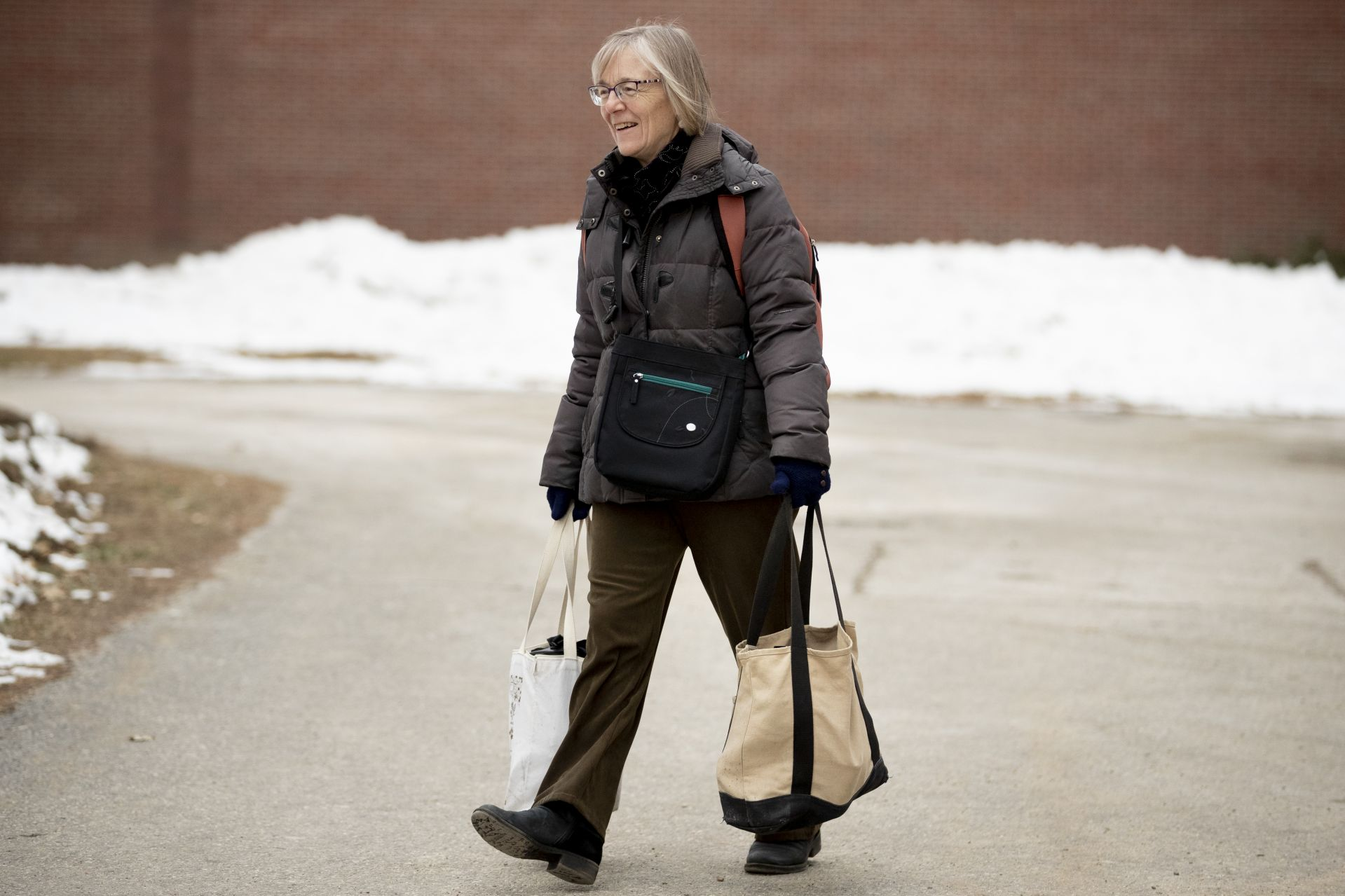 Costlow departs campus on the afternoon of the semester's last day of classes. (Phyllis Graber Jensen/Bates College)