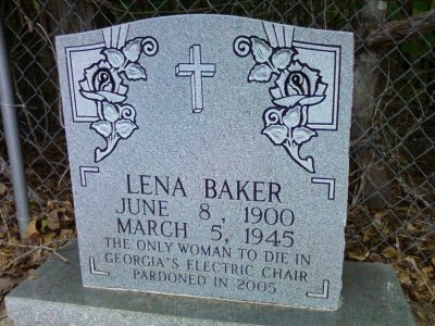 The headstone of Lena Baker in Mt. Vernon Baptist Church cemetery, in Cuthbert, Ga. (Photograph by 86billy86 CC BY-SA https://creativecommons.org/licenses/by-sa/3.0)