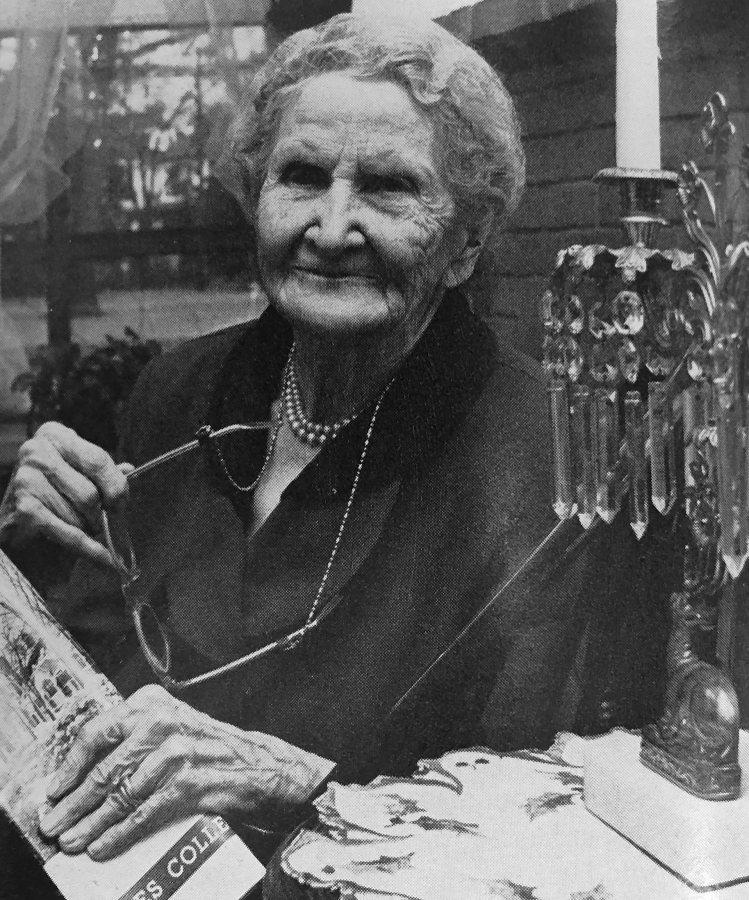 Mary Brackett Robertson, Class of 1890
