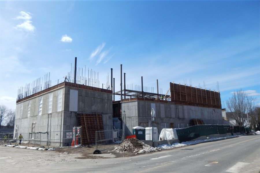 Structural steel and a few concrete wall forms are shown in this northeast view of the science center taken March 25, 2020. (Doug Hubley/Bates College)