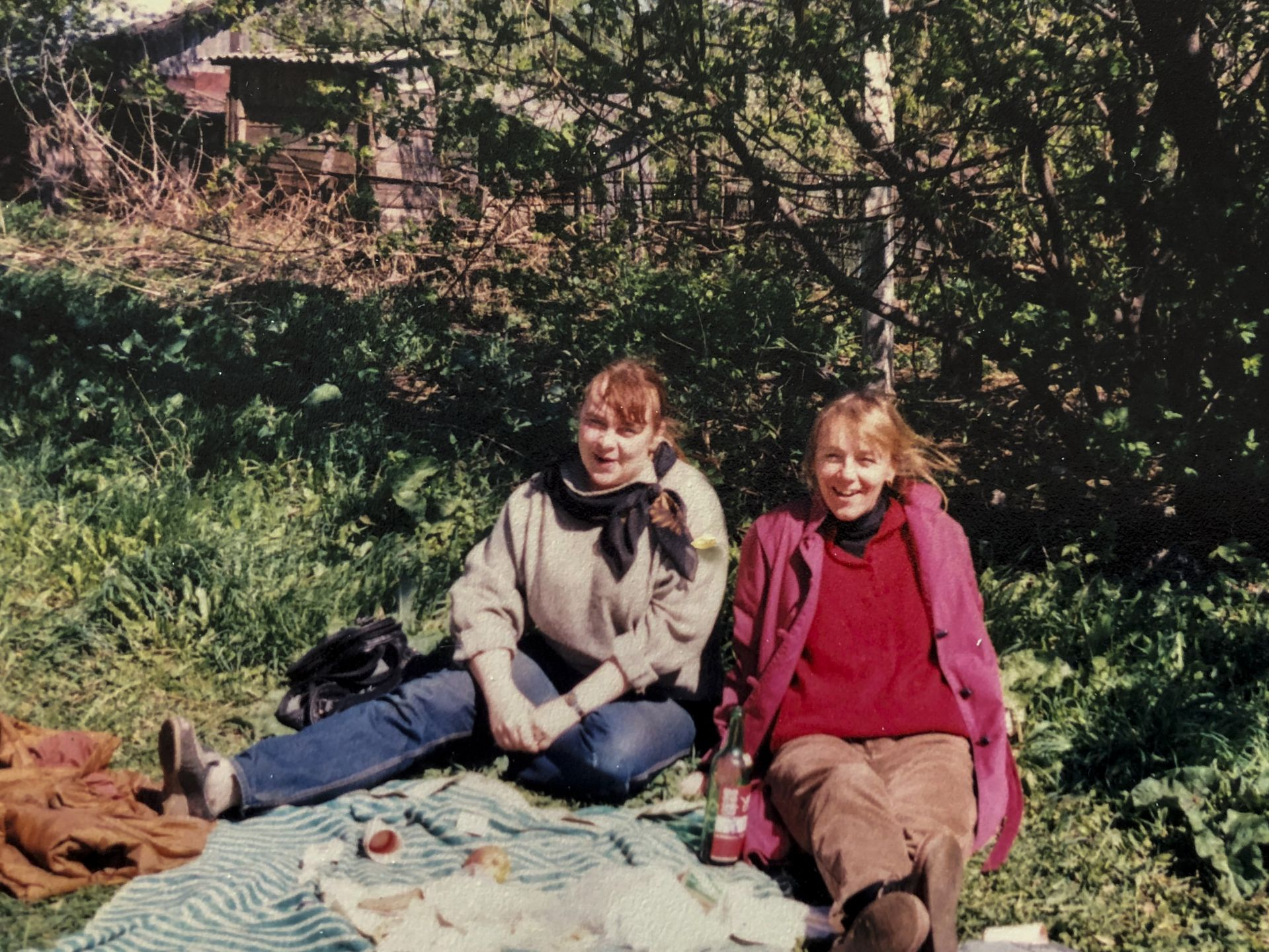 Costlow with her longtime friend and on-the-ground contact in Orel, Maria Shimcheno, who organized travel for Costlow and her students. (Courtesy Jane Costlow)